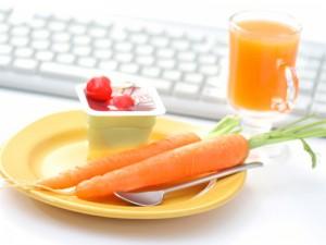 Прости съвети за подобряване храненето си в офиса
