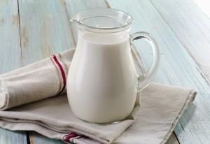Млякото полезно ли е за костите?