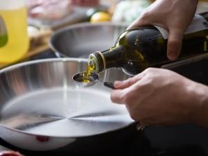 Защо да готвим без мазнина или с малко количество от подходящата за термична обработка