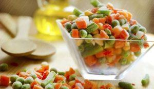 Наистина ли замразените зеленчуци запазват повече от витамините си в сравнение с пресните?