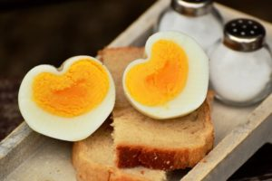 Трябва ли да избягвам яйцата, след като са с високо съдържание на холестерол?