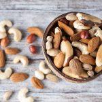 ЗА или ПРОТИВ ядките по време на диета